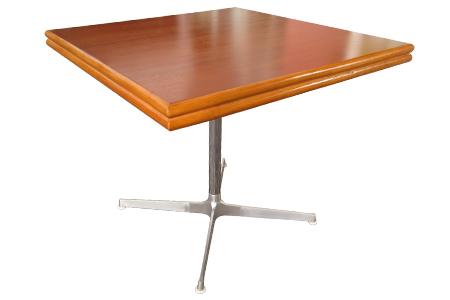 ラタンマホガニートップメタルレッグカフェテーブル