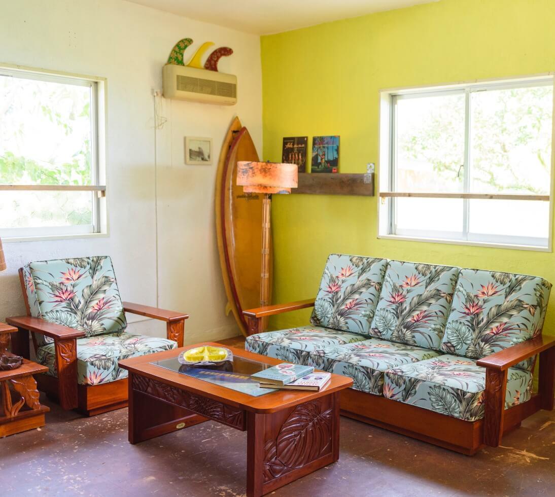 ハワイアン家具専門として15年、『本物のハワイアン家具』を全国へお届けいたします。